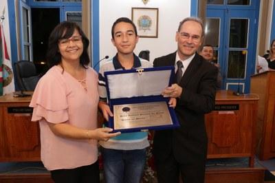 Entrega - Diploma de Mérito Comunitário