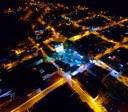Vista noturna da cidade.